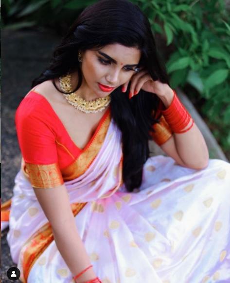 jabardasth Actress varsha images